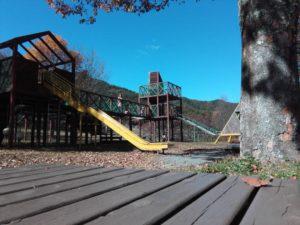鳩吹公園の遊具